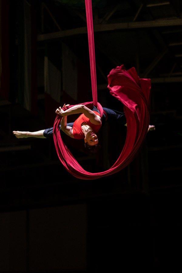 Ples na zračni tkanini