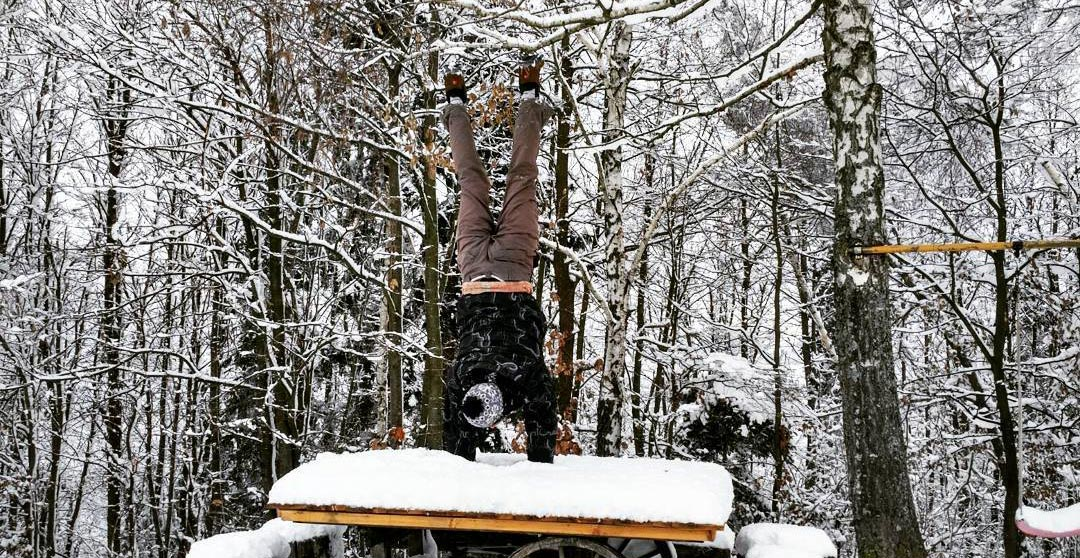 Stoje na rokah / handstands : Zima edition