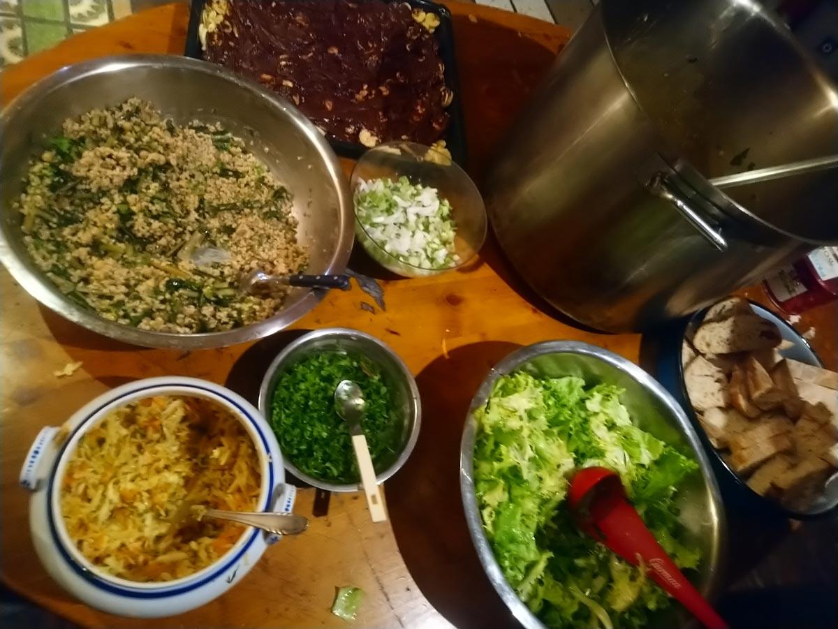 Veganska večerja v Socialnem centru Rog